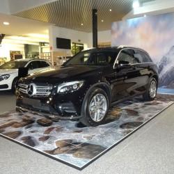 Exposition de voiture podium pour présenter un véhicule